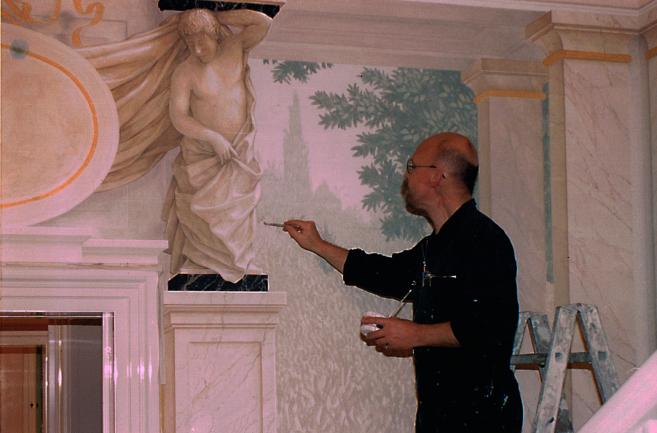 Wolfgang Harms malt die Wände an,Villa in München Bogenhausen, Christian Krawinkel,